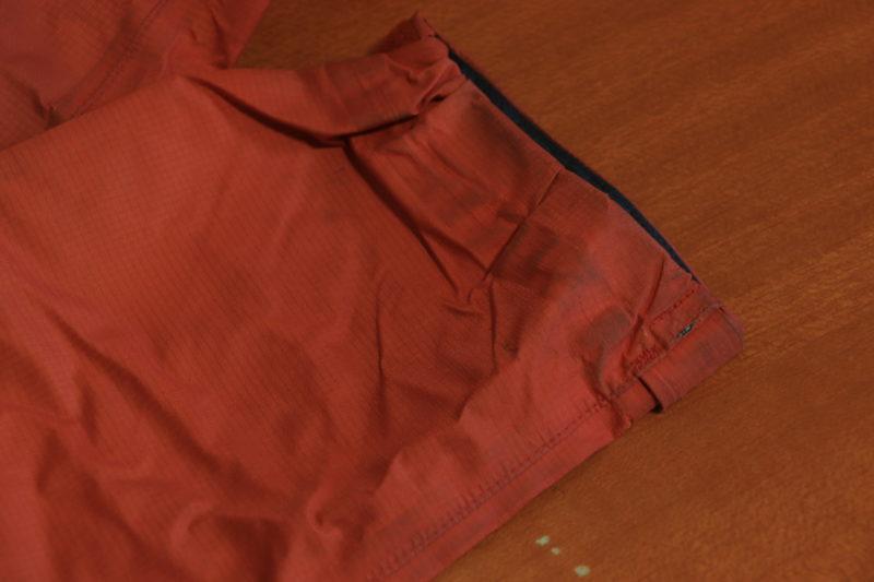 袖口の汚れ