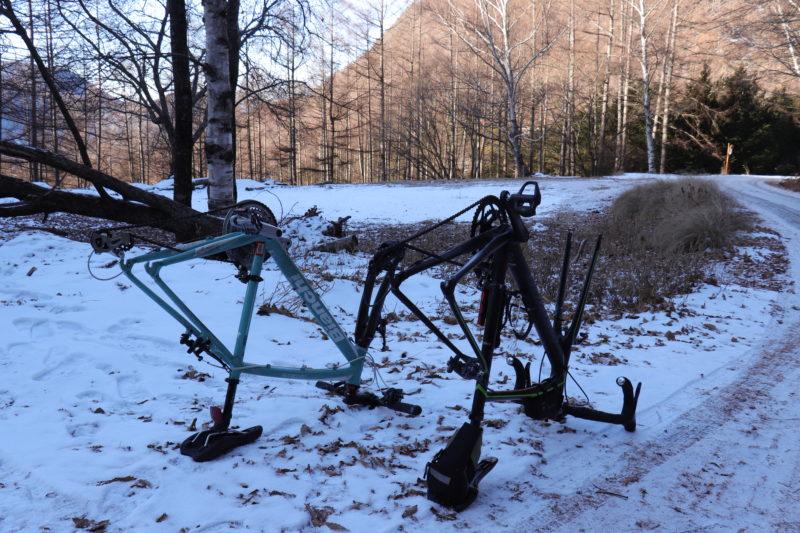 雪上のロードバイク