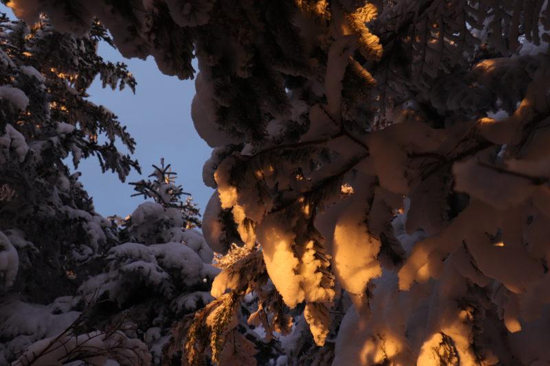 雪の上でのテント泊