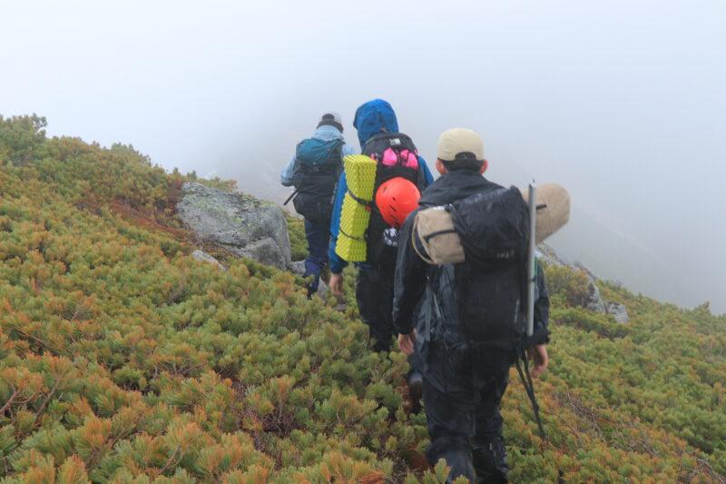 雨の中の登山