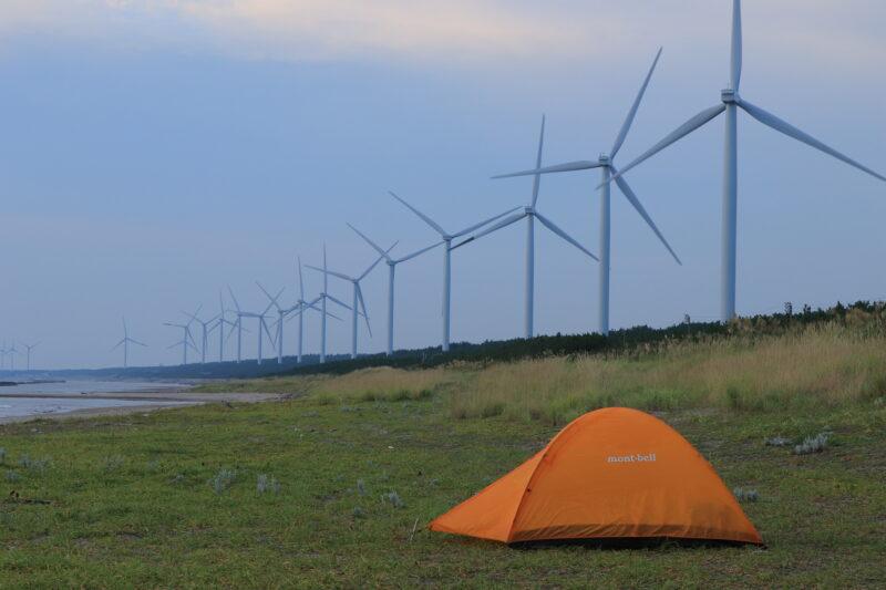 海岸で設営したテント