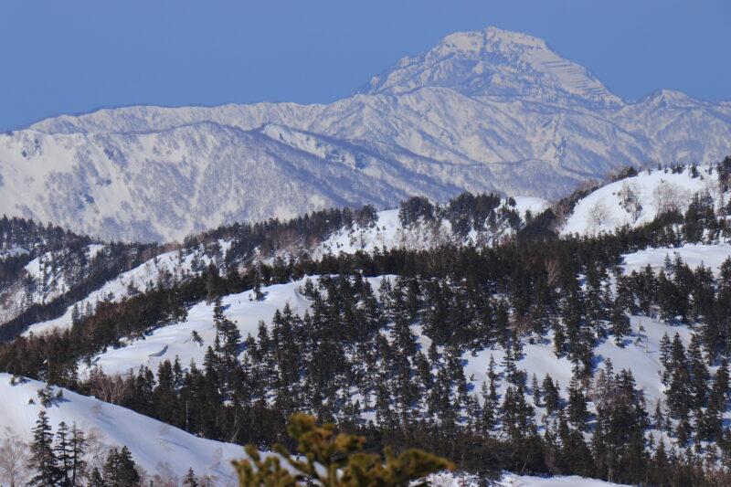 冬の朝日岳